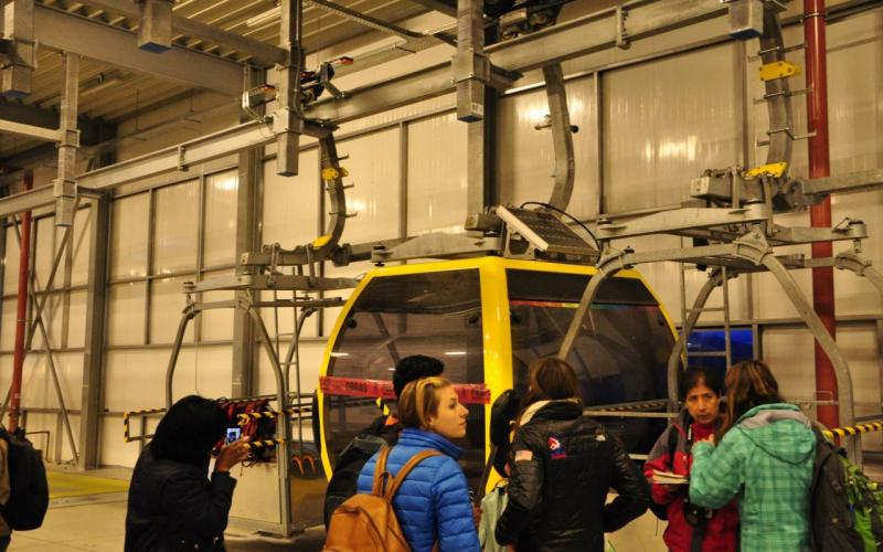Coordinating the in-cabin monitoring setup (2015, La Paz, Bolivia)